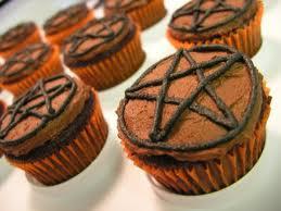 Pentacles cupcake